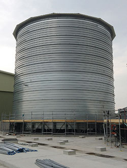 Lipp Systems' tanks employ sets of automated rollers to create a spiral construction.Lipp Systems' tanks employ sets of automated rollers to create a spiral construction.