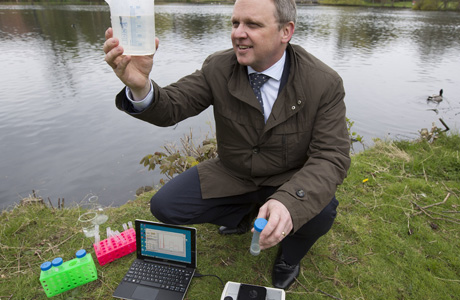 Fluorescent device offers quick 'scan' of water potability