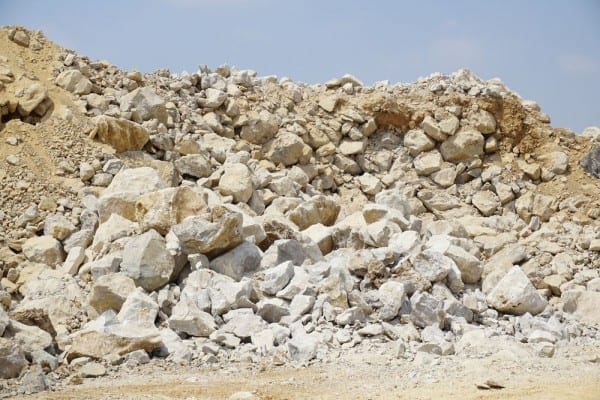 Process promises drastic carbon reduction when producing cement from limestone