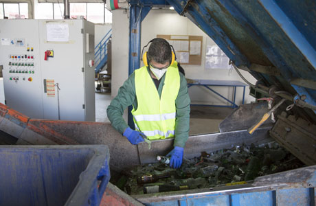 New free tool to help waste management industry assess workforce competences
