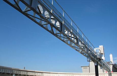 Scraper bridges installed quickly and safely at London Tideway