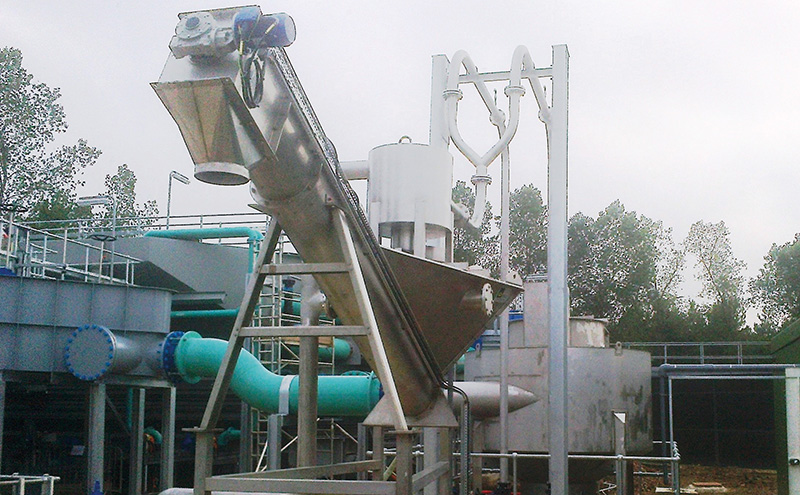 a-hydro-international-grit-king-unit-installed-at-uttons-drove-wwtp-for-anglian-water