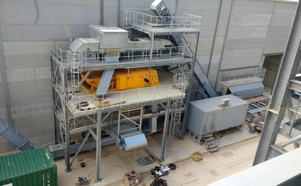 Handling and storing biofuels