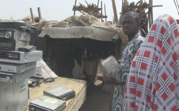 How are men and women differently affected by chemicals from waste? Nigerian TV documentary presents study findings