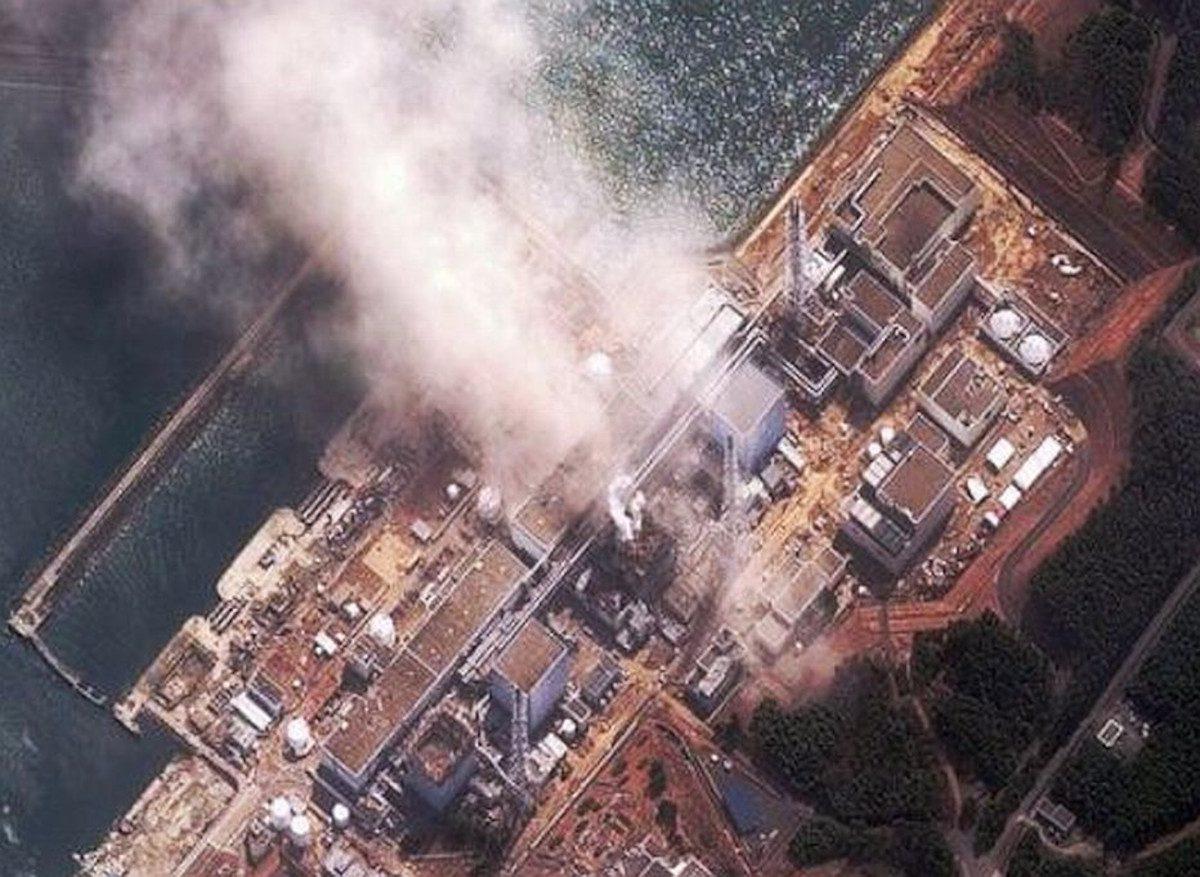 Fukushima-explosions-from-air