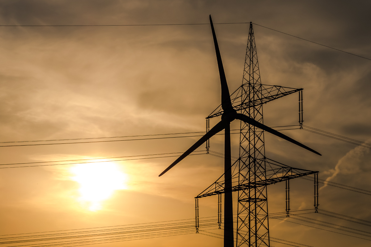 wind-power-and-transmission-line