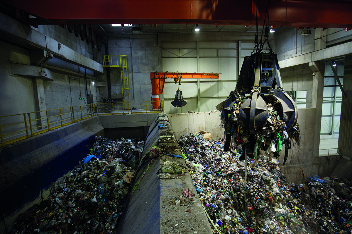 mechanical grapple at waste plant
